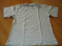 tee shirt 6 ans 2 €