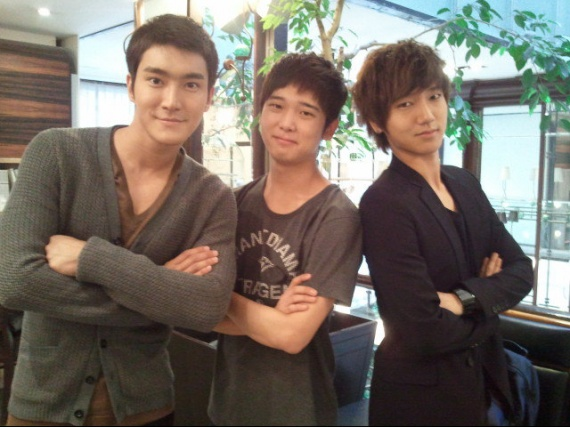 siwon, yesung and his bro