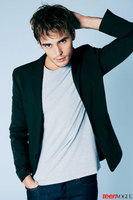 Sam-Claflin-Teen-Vogue-Photoshoot-the-hunger-games-movie-33521257-368-500