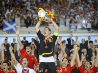 Euro 2006 Casillas soulève la coupe