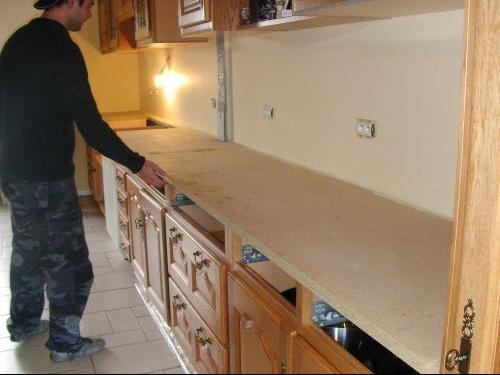 hs votre avis sur cuisine et plan de travail b b s de l 39 ann e forum grossesse b b. Black Bedroom Furniture Sets. Home Design Ideas