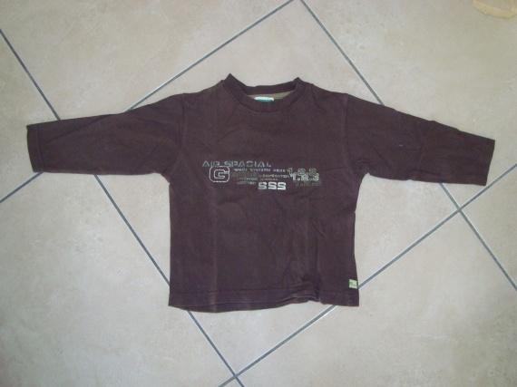 tee-shirt manches longues vertb 3 ans 4€