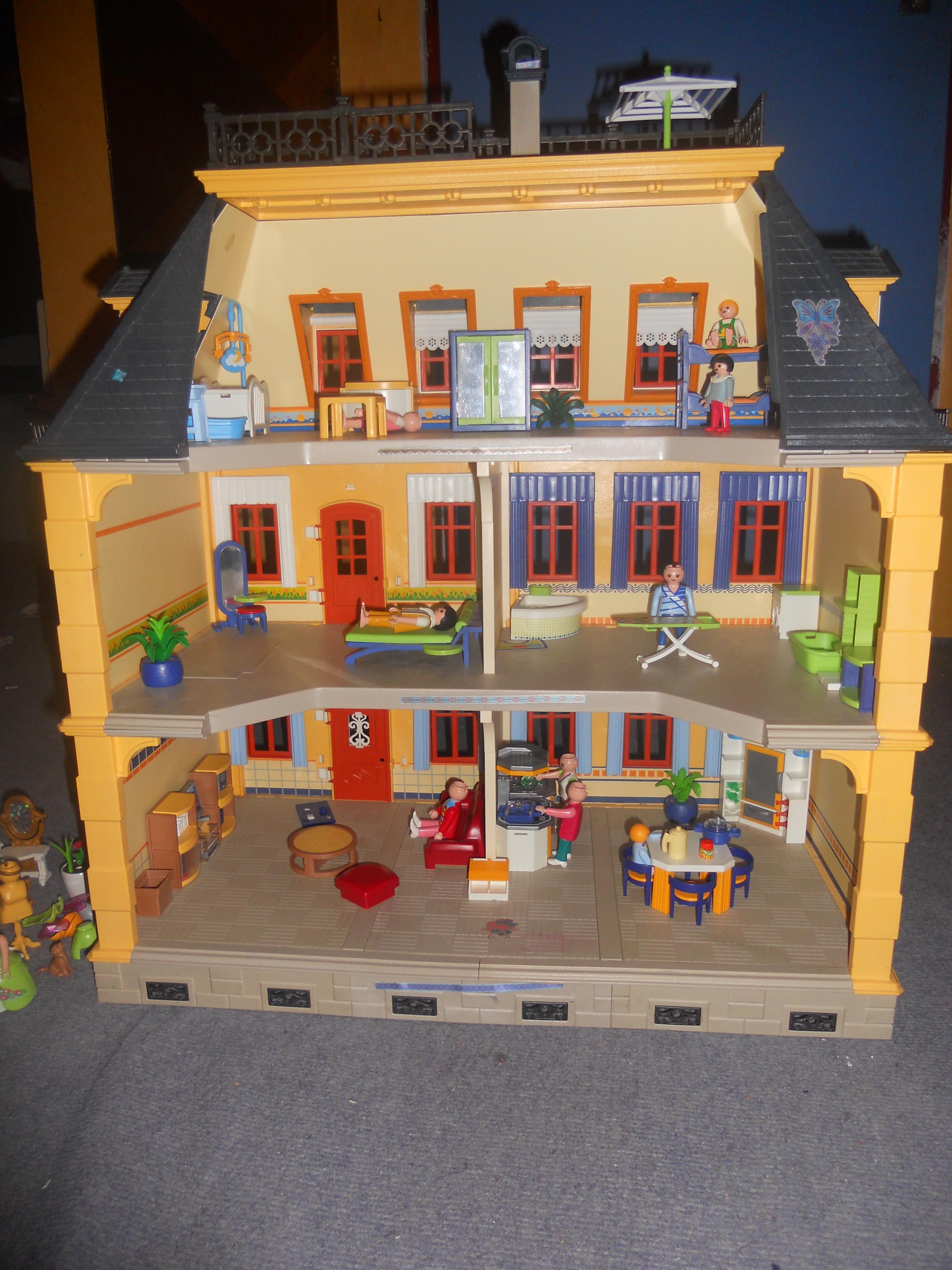 Maison traditionnelle playmobil entierement meubl e - Maison en bois playmobil ...