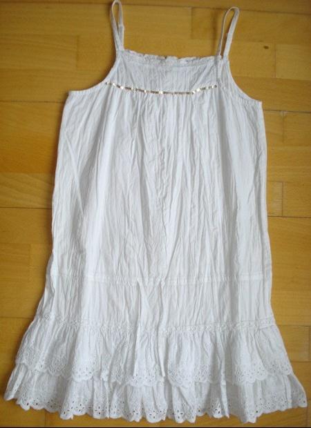 superbe robe tunique neuve froissée broderies anglaise la redoute 10 ans : 15 euros.
