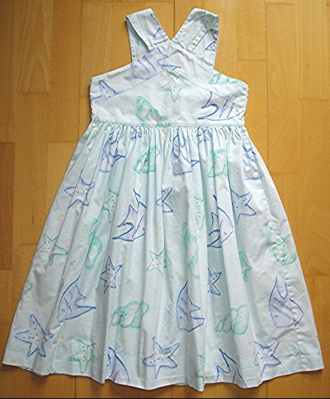 "robe ""arthur et félicie"" 9 ans : 5 euros car petite tache."