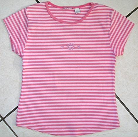 tee-shirt rayé rose noté 10 mais taille 8 ans : 2,50 euros!