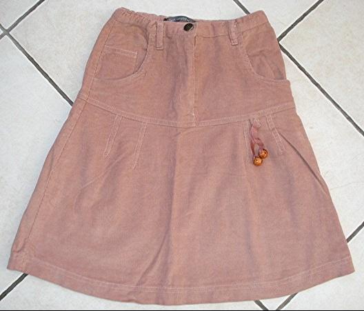 jolie jupe tout compte fait 10 ans en velours taille réglable : 5 euros!