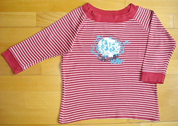 tee-shirt manches 3/4 marin O.KA.OU 10 ans : 5 euros.