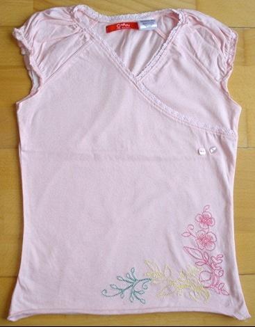 tee-shirt rose brodé O.KA.OU 10 ans porté 1X : 5 euros.