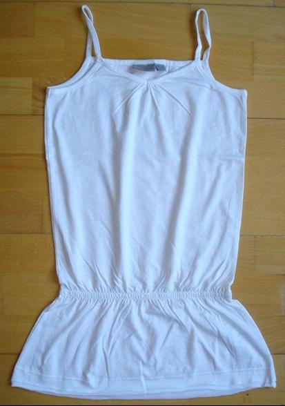 tee-shirt long kiabi kids blanc neuf juste lavé 10 ans : 5 euros.