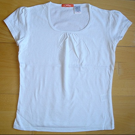 tee-shirt blanc O.KA.OU 10 ans porté 1X : 4 euros