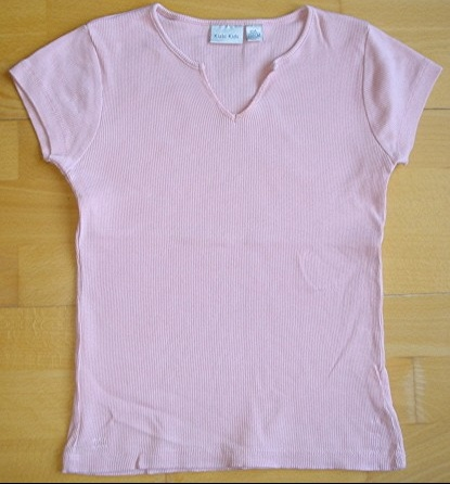 tee-shirt rose kiabi kids 10 ans porté 1X : 4 euros.