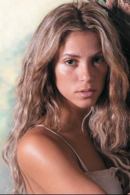 normal_Shakiramedia_OF2outtake3