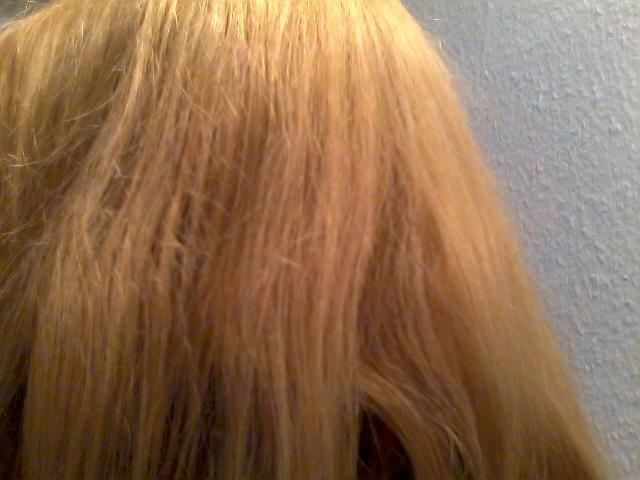 Coloration cheveux jaune que faire
