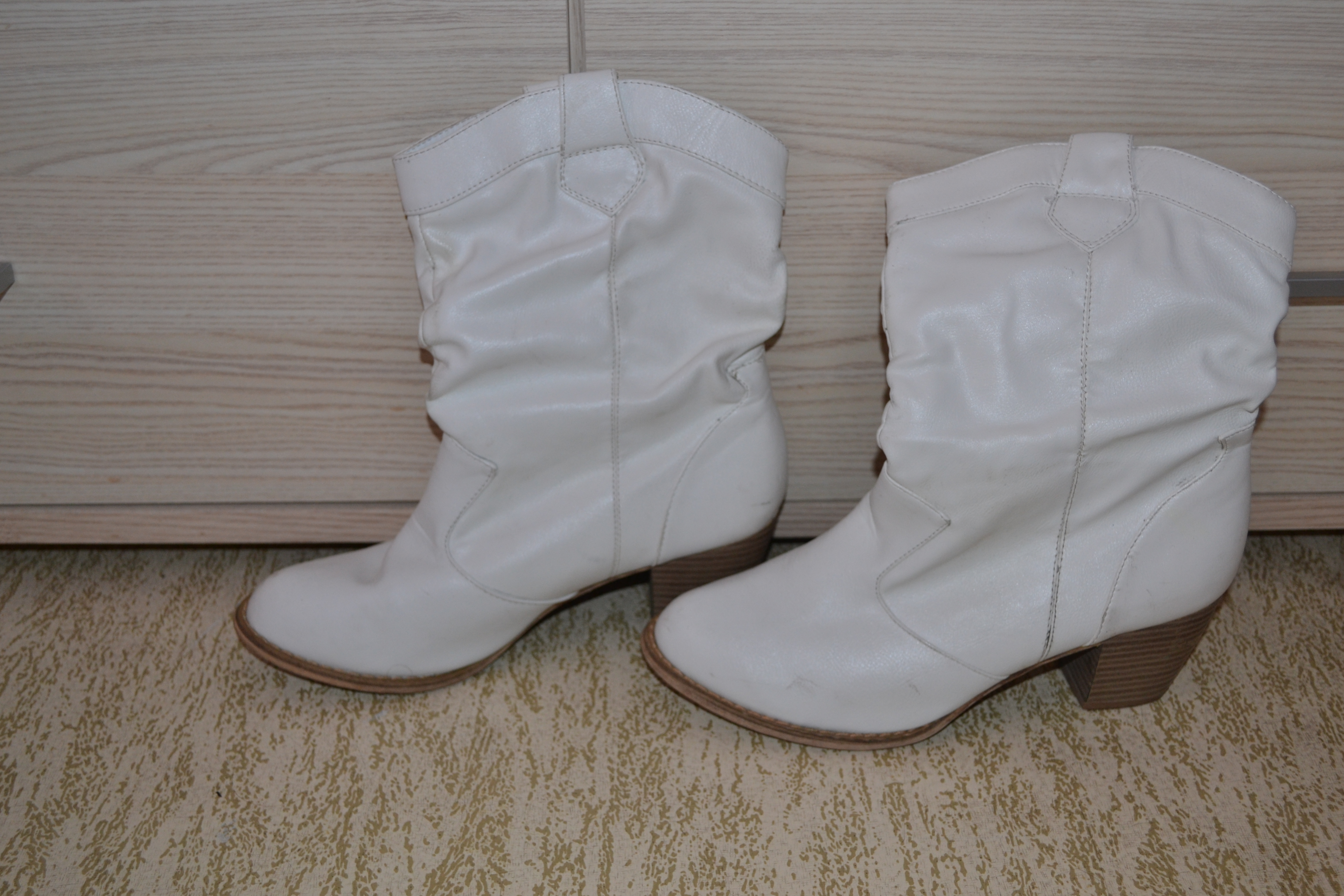 bottes blanches p39 - chaussures femme - angie59150 - photos