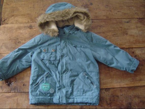 12€ manteau bleu canard