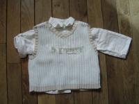 4€ chemise blanche + pull bleu