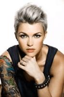 Stella_carlin