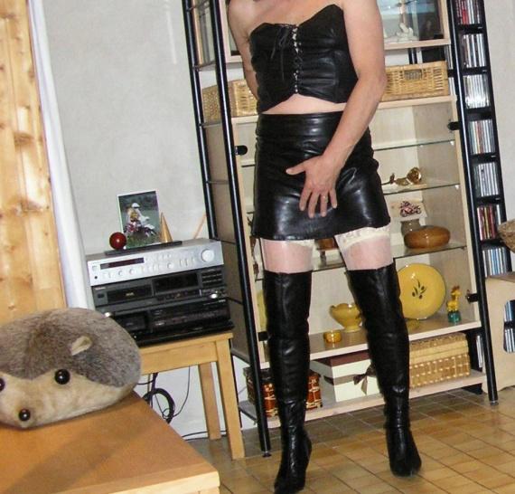 corset mini 04 talons et jupes maj f vrier 2012. Black Bedroom Furniture Sets. Home Design Ideas