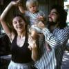 Léonardo Di Caprio tout bébé aux côtés de sa maman et de son papa en 1976