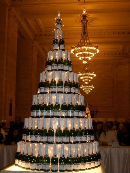062 champagne tower