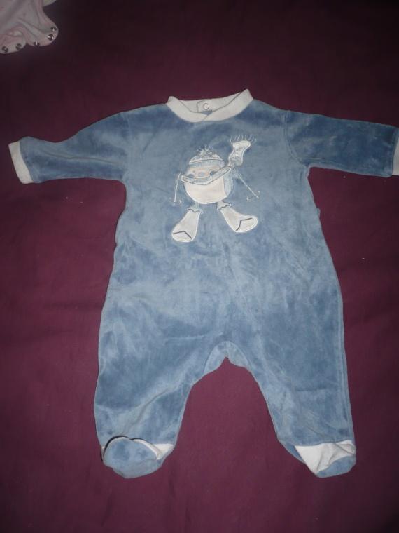 pyjama bleu avec pingouin Vertbaudet 1 mois 4 euros