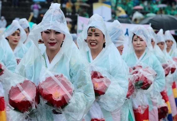 Lotus lantern parade,