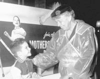 Eleanor Roosevelt  le 10 décembre 1953 à la marche des mères contre la polio