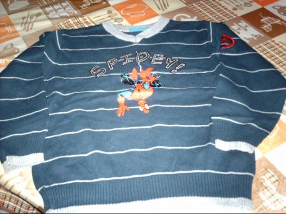 46- pull léger spiderman 6ans céliantine