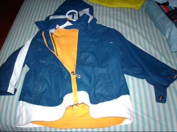 96- veste de pluie clayeux 5ans 5€