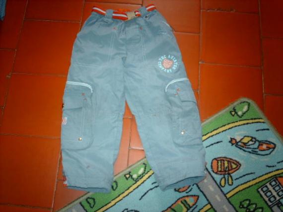 85- pantalon 4ans  1€