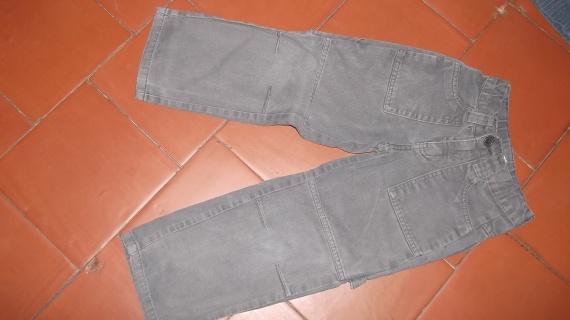 9- pantalon gris petit 5ans 1e