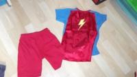 """pyjashort """"super héro"""" avec sa cape 5ans 3€"""