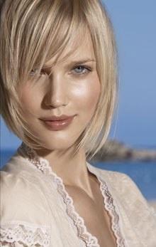Photos et Images Cheveux mi-longs Modele Coiffure Femme