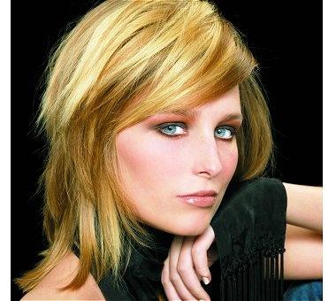 » Photos » photos de coiffures » cheveux mi-longs couleur