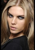 000000285825-Maryna_Linchuk-modelprofileMainPicCropped