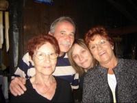 Ma maman, mon papa, ma grand-maman et moi