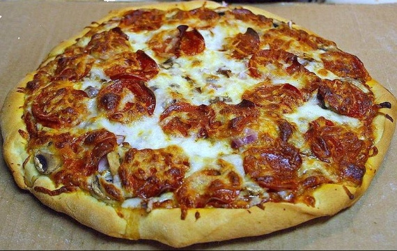 800px-Pepperoni_pizza