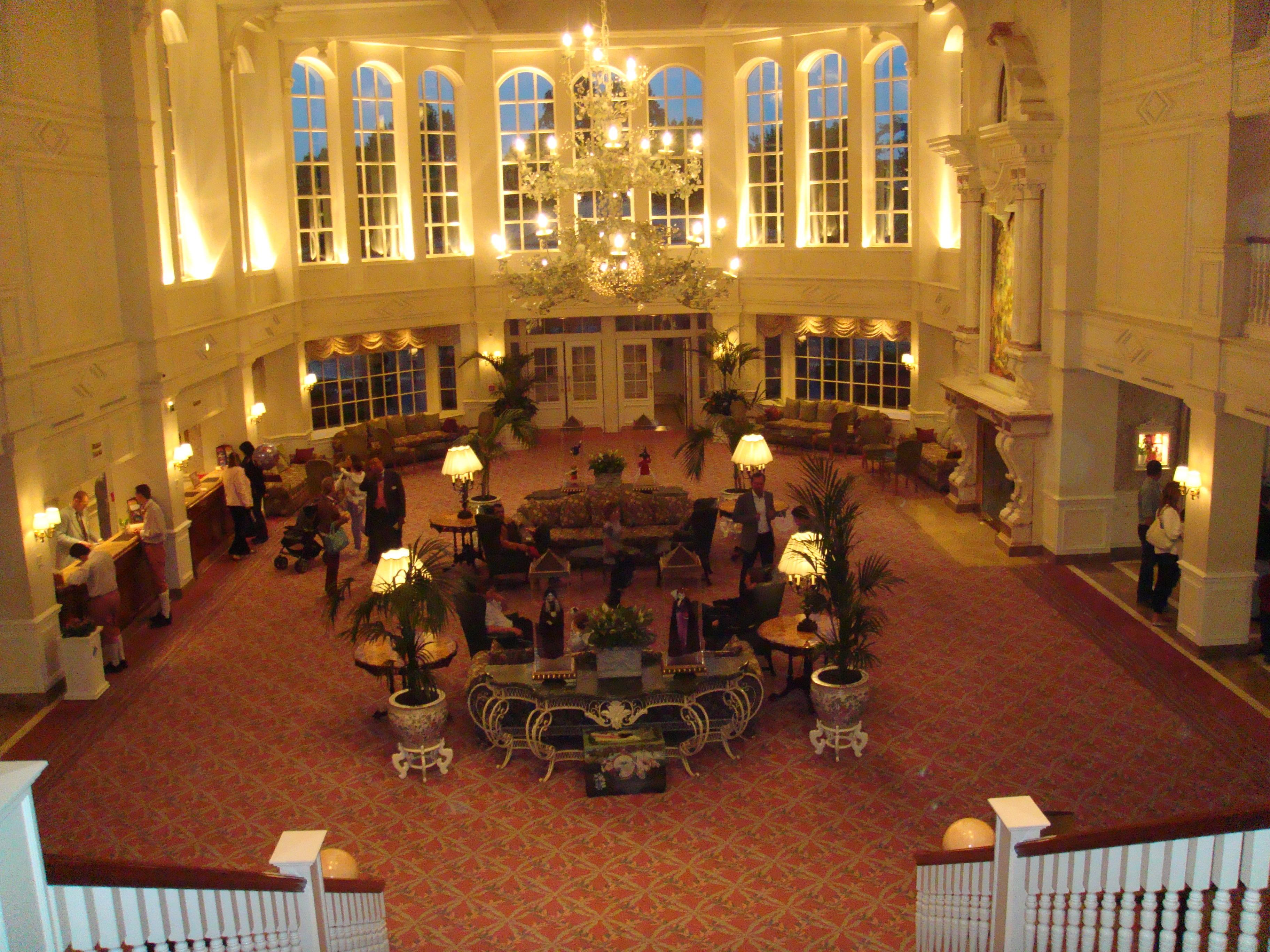 Hotel disneyland l 39 entr e disneyland cathy555 for Chambre castle club disneyland hotel