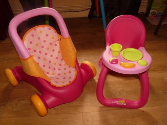 Poussette et chaise haute mini kiss avec accessoires