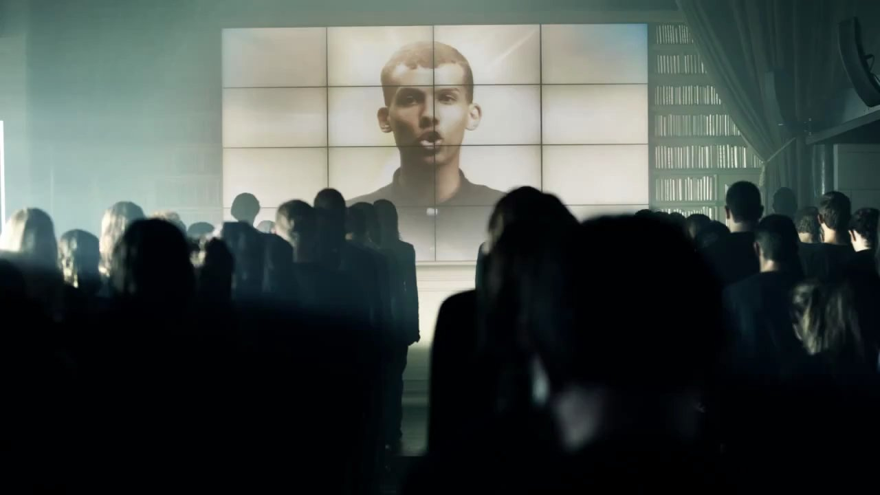 http://images.doctissimo.fr/1/musique/grands-classiques/photo/hd/7917861791/183418788a1/grands-classiques-stromae-house-llelujah-big.jpg