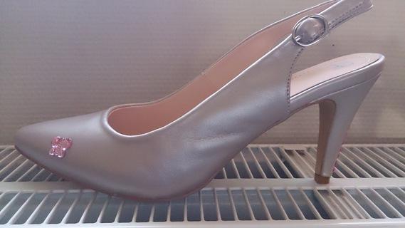 Mes chaussures (petit papillon rose rajouté)