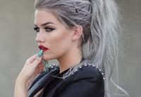blond-gris-tendance-couleur-de-cheveux-soin-760x520