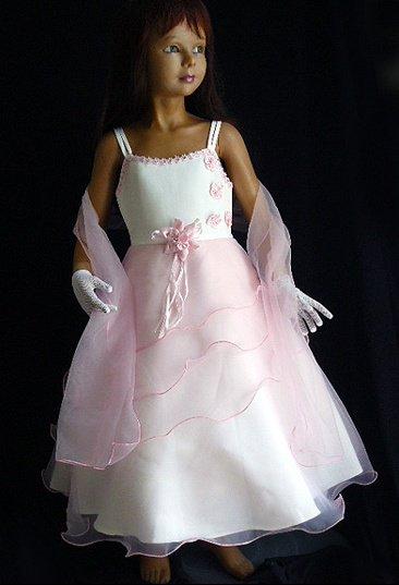Robe de demoiselle d'honneur modèle 1, existe en ivoire et champagne