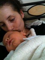 isa et son beau bb reçue le 10 04 12 - je trouve isa bien fatiguée