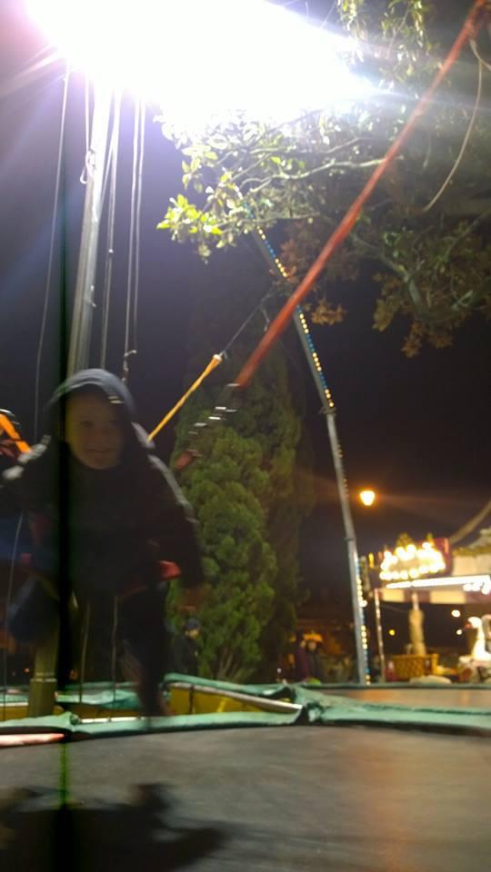 Akilou trampoline 24 décembre 2014
