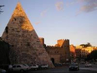 PiramideCaioCestio1_ws