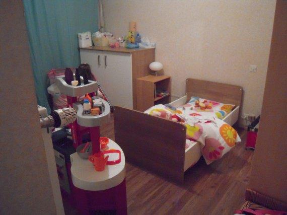 chambre tinos autour de bébé