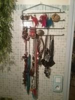 Cintre à bijoux
