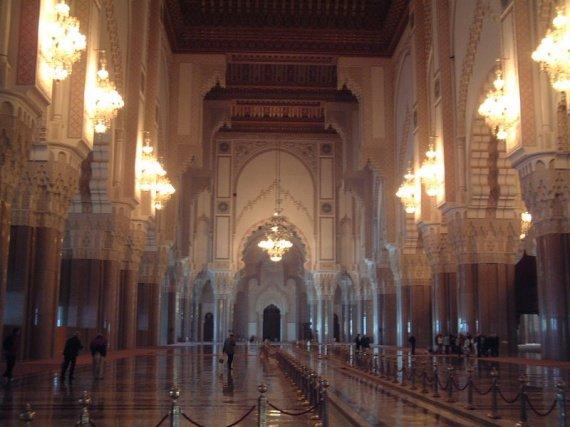 Casablanca mosqu e hassan ii salle des pri res le for Mosquee hassan 2 interieur